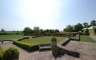 gardens-view-from-terrace-poundon-house