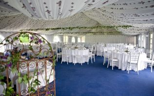 reception-marquee-poundon-house
