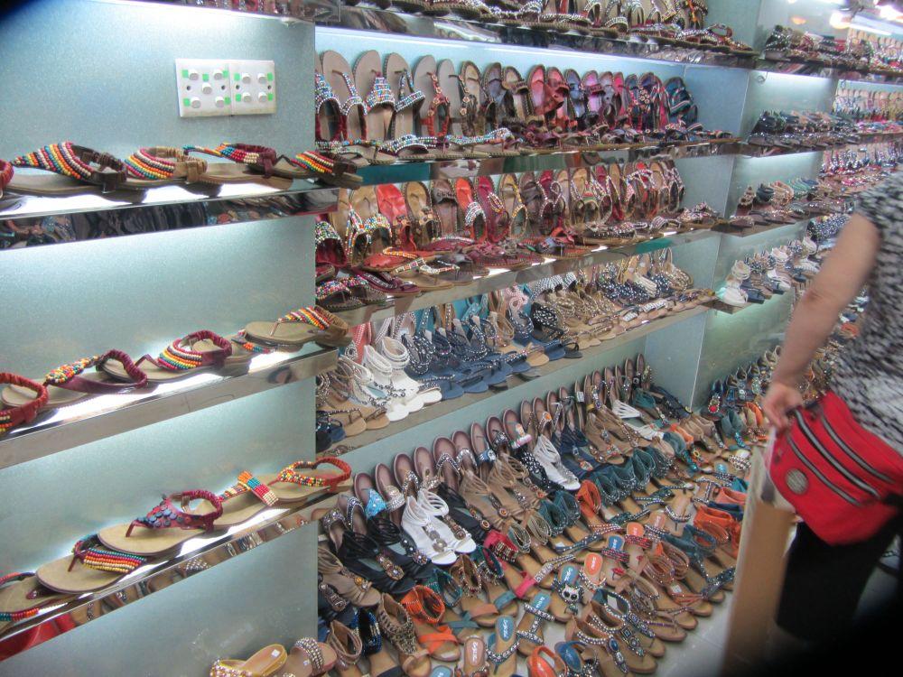 Guangzhou Super Shoe Market (4/6)