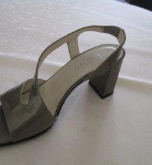 escarpins vernis gris bouts carrés