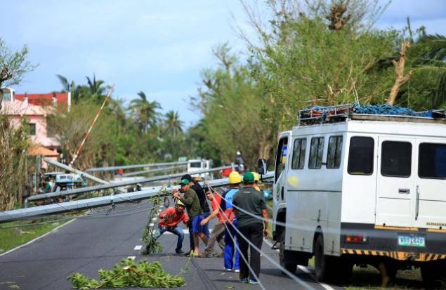 L'archipel des Philippines a été frappé par un puissant typhon nommé Nock-Ten le 25 décembre dernier. Ce cataclysme a perturbé les fêtes de Noël de la population tout en laissant des dégâts considérables derrière lui : 6 morts, 18 disparus et  429.000 personnes évacuées.