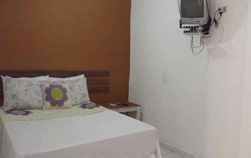 Quarto Duplo + Tv Oca Poranga pousada Enseada em Guaruja SP