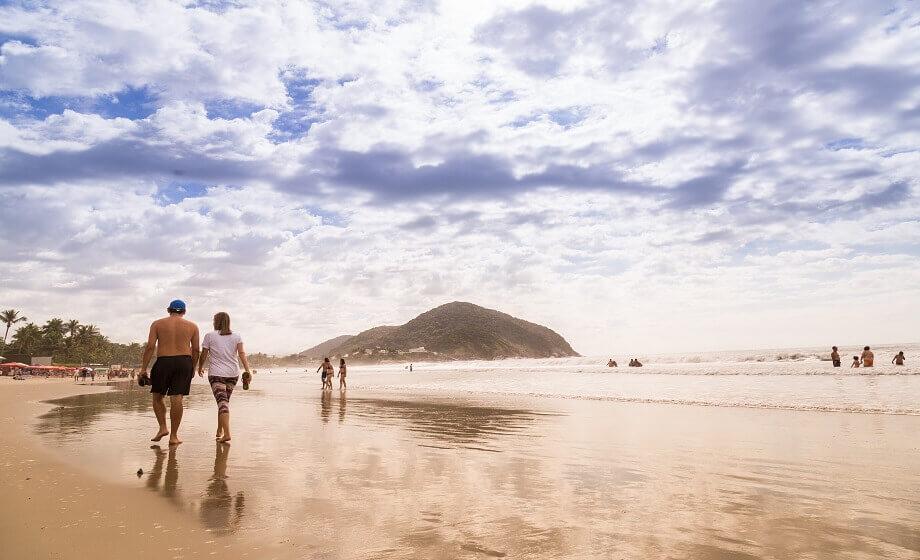 Praia do Pernambuco em Guaruja SP