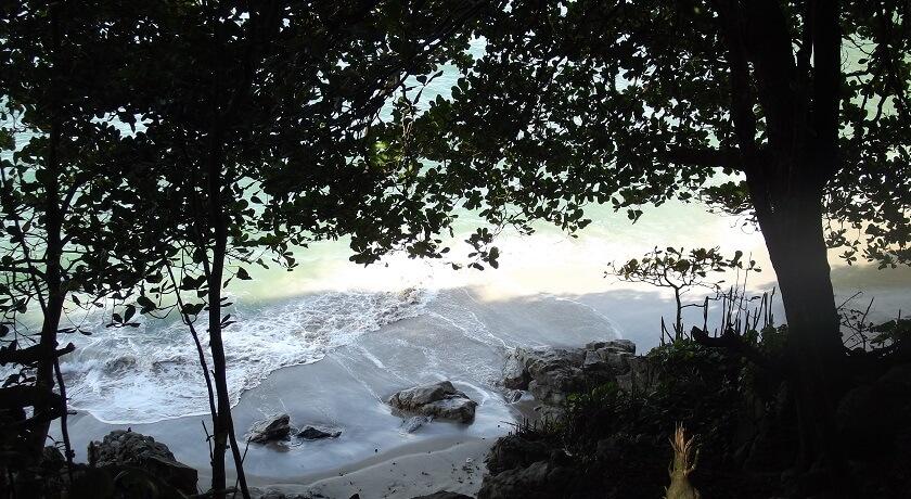 Praia de Pernambuco e Mar Casado Guaruja SP