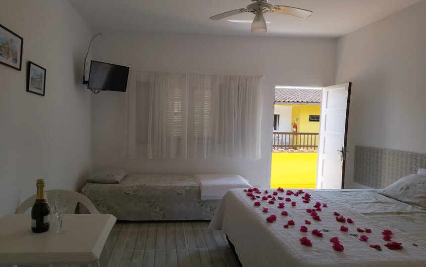 Quarto Decorado na Pousada Sorocotuba Guarujá