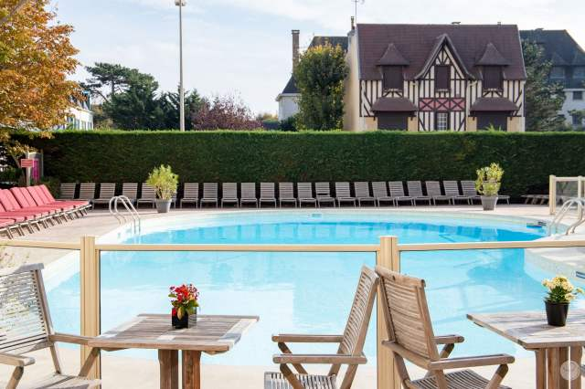 Weekend Deauville Royal hotel swimming pool