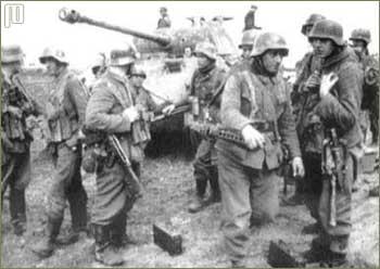 StG44 je prvotno bila namijenjena elitnim SS postrojbama