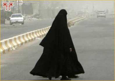 Tradicionalne muslimanke pokrivaju cijelo tijelo (osim eventualno lica, ruke i stopala – hijab)