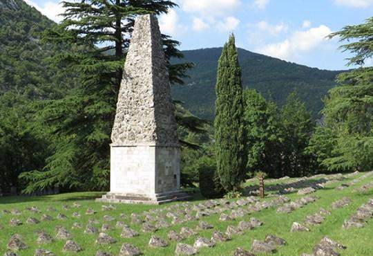Austrougarsko-vojno groblje kraj Solkana u Sloveniji