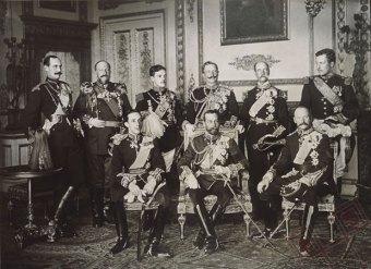 Devet kraljeva u čast jednoga. Kraljevi Norveške, Bugarske, Portugala, Njemačke, Grčke, Belgije, Španjolske, Velike Britanije i Danske okupilo se na sprovodu u čast kralaj Edwarda VII. 1910. godine.