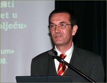 Vinko Filipović, ravnatelj Agencije za odgoj i obrazovanje je sudionicima poželio dobar rad na simpoziju
