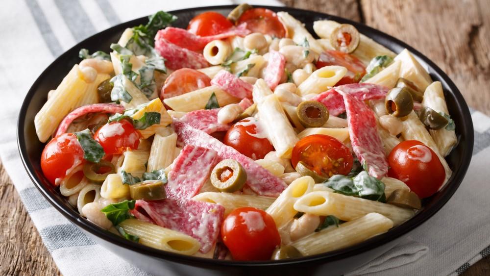 Теплый салат с сосисками (4193)   Povkusu.com