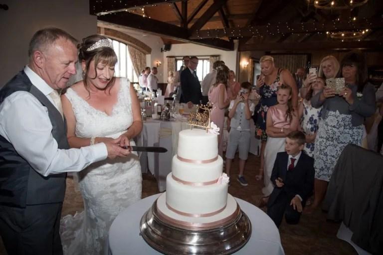 Cumberwell Park wedding venue wedding cake