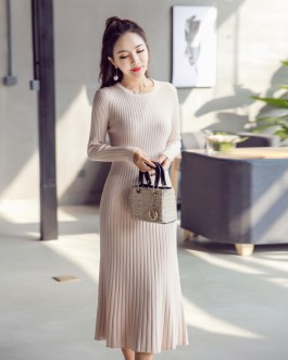 A-line Knitwear O-neck Solid Color Pullover Sweater Dress