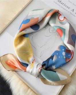 Design Print Lady Square Silk Scarf Shawls