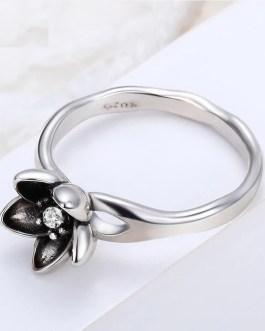 Fashion Daisy Crystal Ring