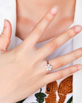 Fashion Vintage Refined Flower Epoxy Ring