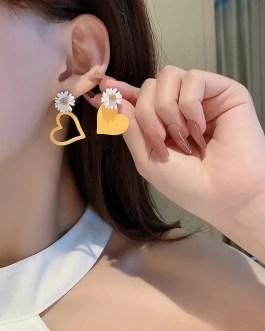 Sweet Heart Asymmetrical Earring