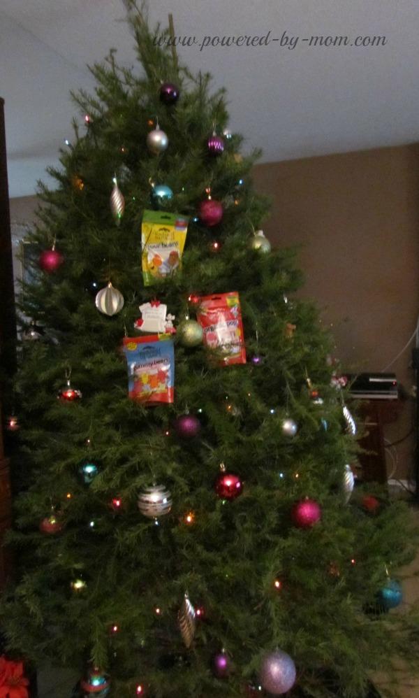 yumearth christmas tree