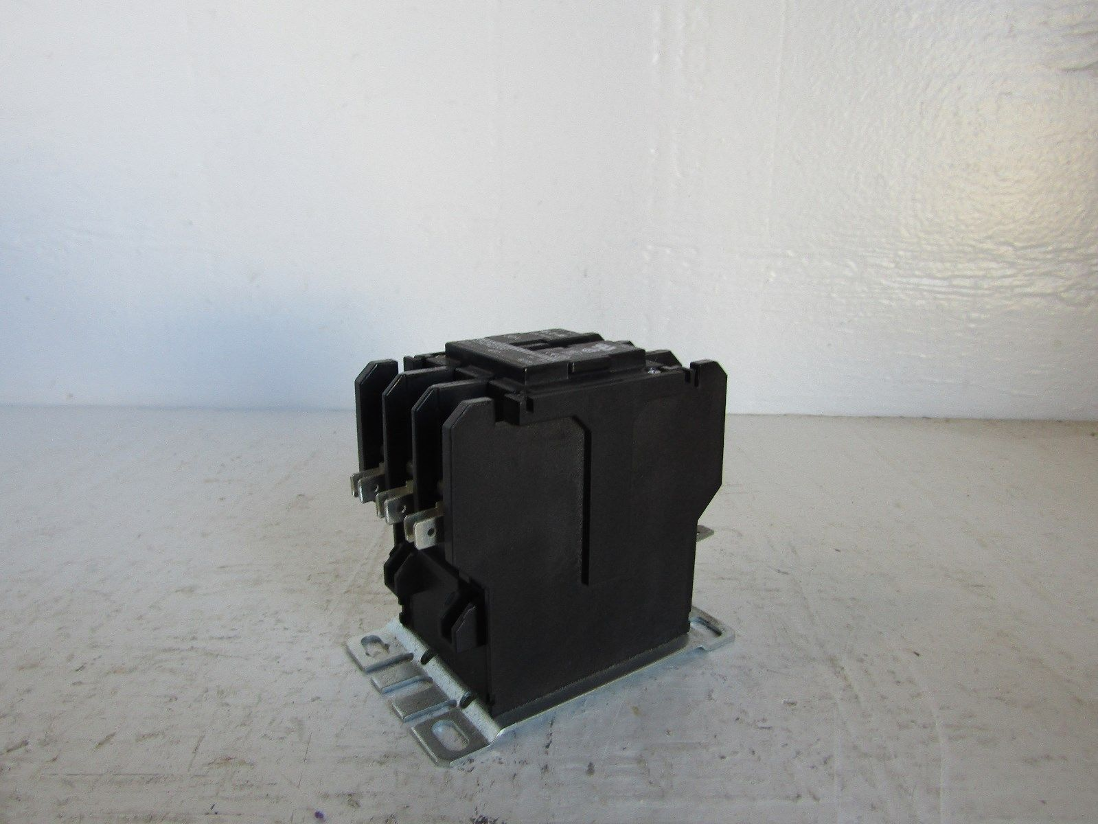 CUTLER HAMMER C25DND330 30 AMP 3 POLE CONTACTOR 120 VOLT COIL 331989252131 2?fit\=1000%2C750\&ssl\=1 c25dnd330 wiring diagram 3 phase contactor wiring diagram start Eaton C25dnf340 Contactor at gsmx.co