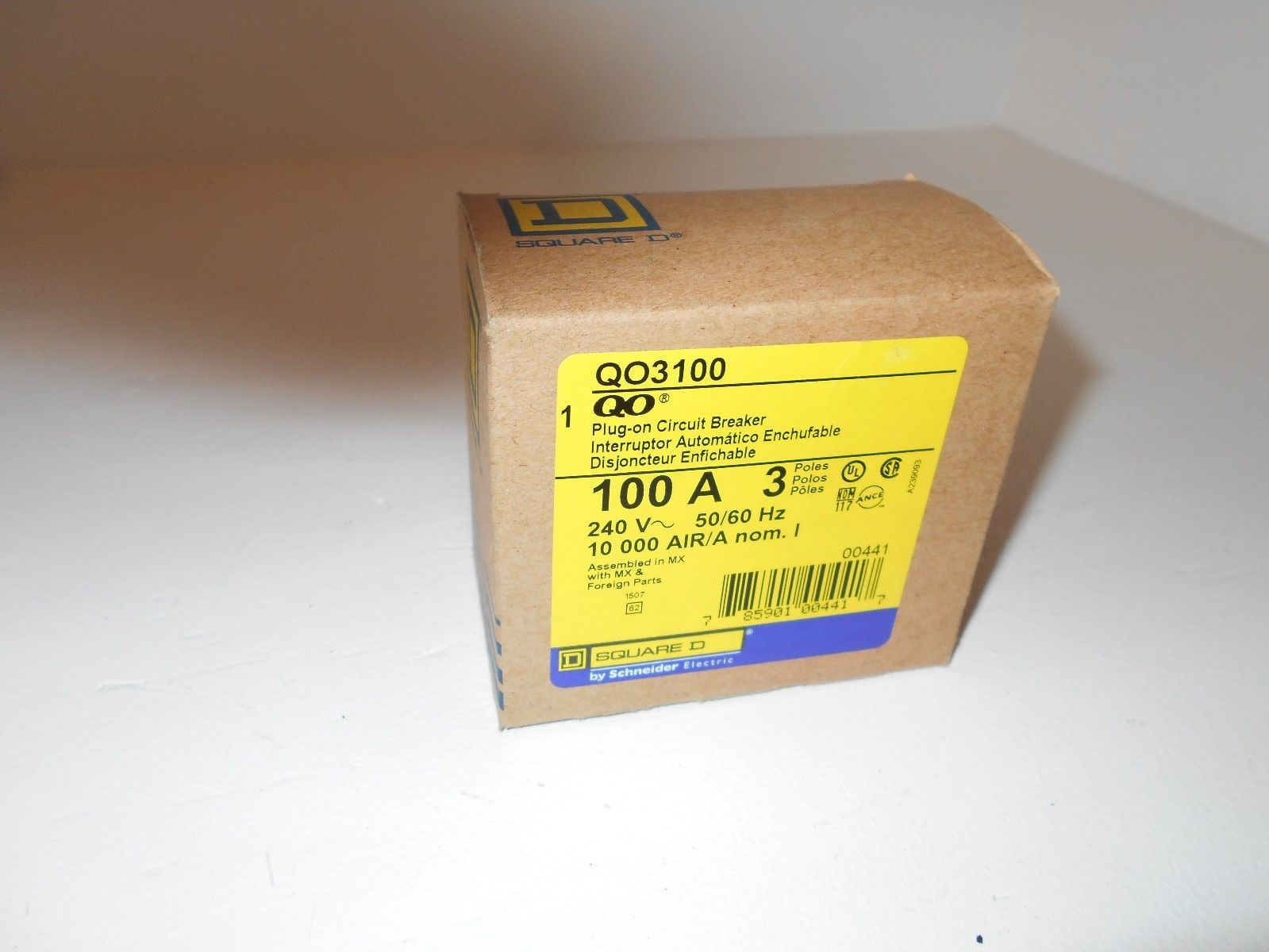 new in box square d qo3100 3 pole 100 amp