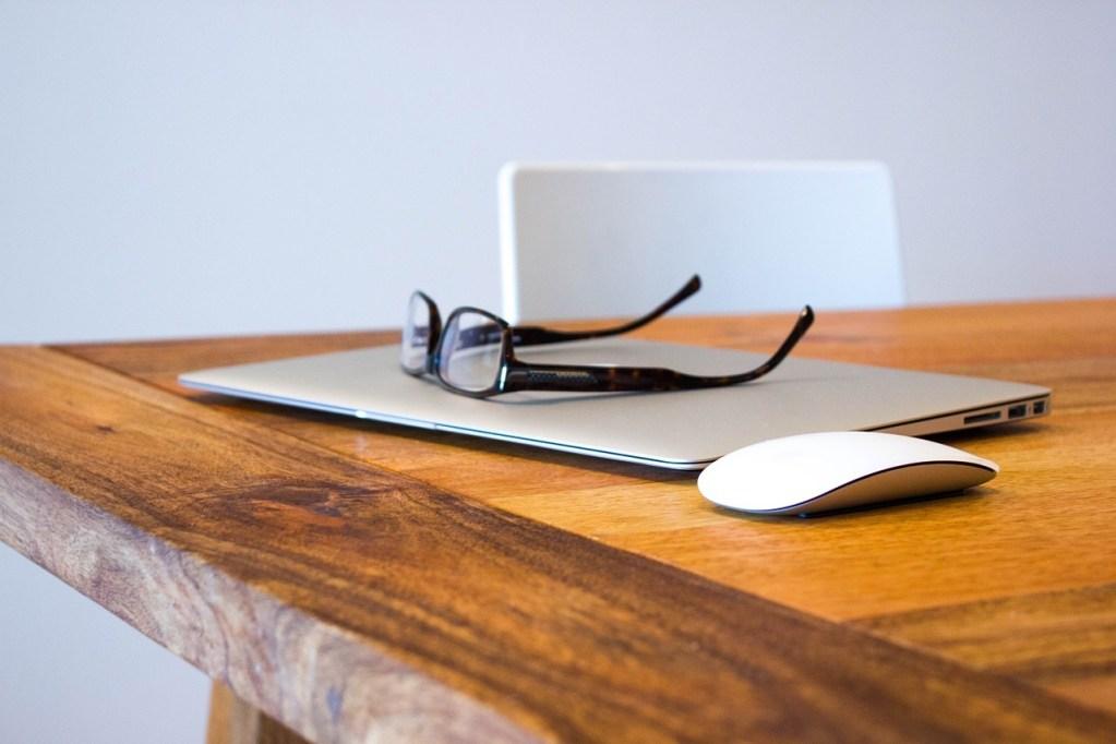 Image of desk - Employer Branding agency alternatives