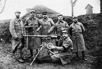 Robert_Antoine_Pinchon_(left)_during_World_War_I
