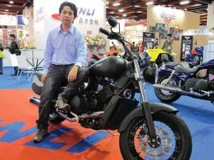 Din Li unveiled a new clutchless 800cc motorcycle at the Taiwan Motorcycle Show.
