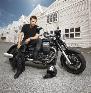 The California 1400 attracted Moto Guzzi fans into dealerships, showing an 11.2 percent rise in sales in the first half of 2013. Scottish actor Ewan McGregor does advertising testimonials for the brand.