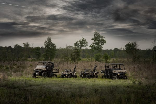 2017 Defender family in Mossy Oak