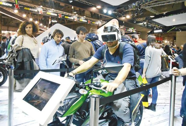 The Kawasaki booth invited consumers to experience a virtual reality ride.