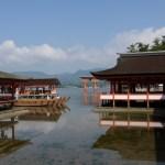 厳島神社のお守り、人気は「しゃもじ」「縁結び(ピンク)」?