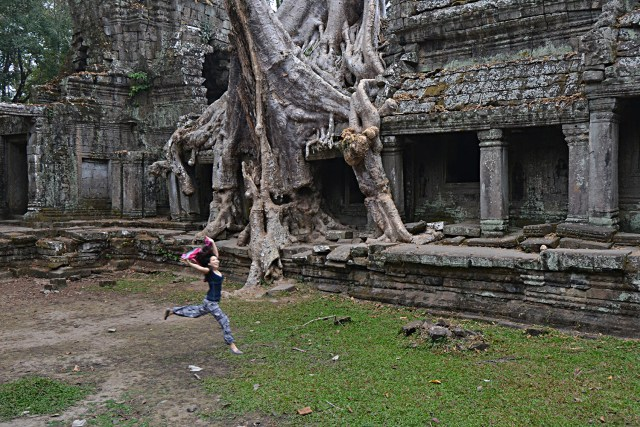 angkor-preah-khan-jump-sm