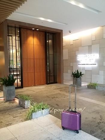 三井ガーデンホテル大阪の玄関
