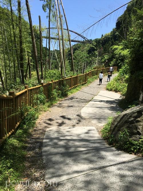 雄川の滝遊歩道の様子