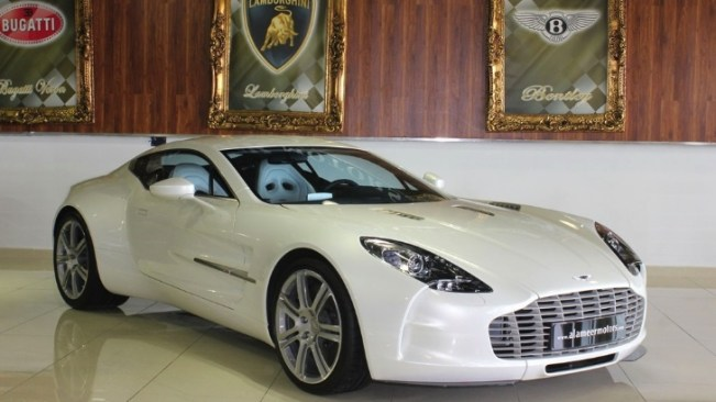 aston-martin-one-77-for-sale-2m-photo-gallery-69950-7