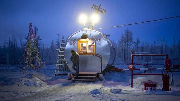 oymyakon-coldest-village-on-earth-amos-chapple-02