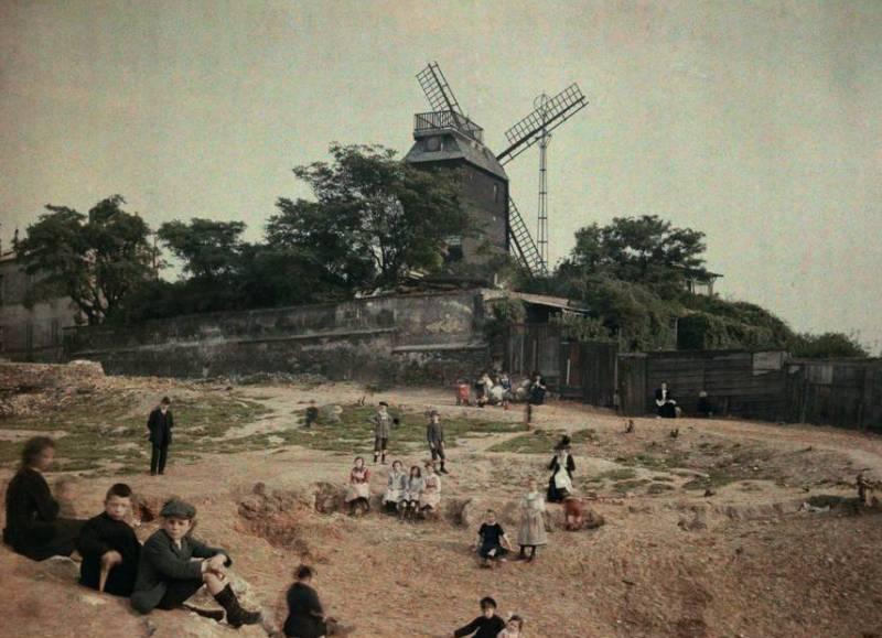 Ветряная мельница Мулен де ла Галлетна Монмартр.