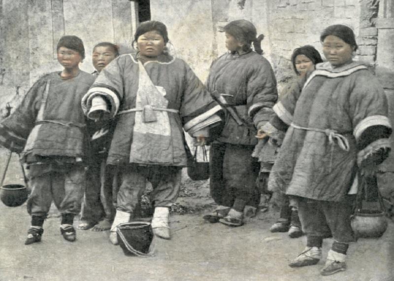 Бинтование ног Китай, деформированные стопы фото