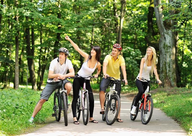 активный отдых, вело прогулка, кататься на велосипедах