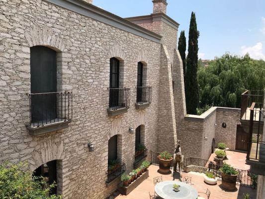 centro stone home in Pozos