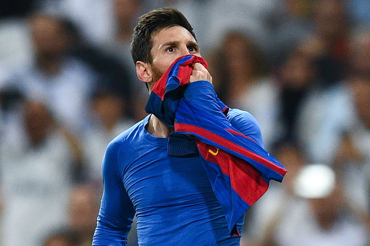 Lionel Messi stay at Barcelona