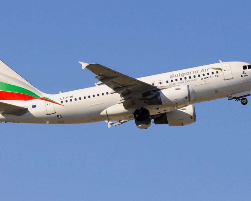 Airbus A319 Bulgaria Air в полете