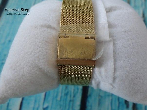 Часы бренда Shengke в золотом цвете с необычным браслетом Часы, которые идеально