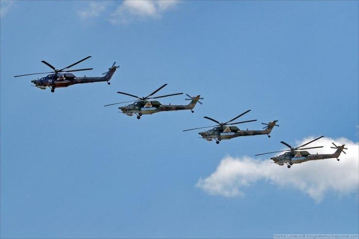 """OZs3EkCCMMQ Авиашоу в честь дня ВВС в парке """"Патриот"""""""