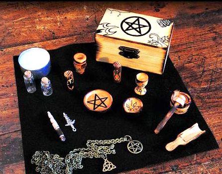 Домашний алтарь ведьмы