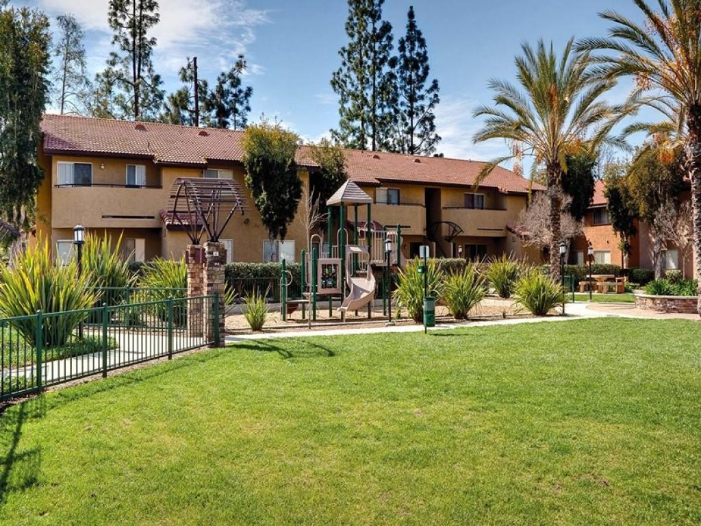 Hidden Cove Apartments, Escondido CA