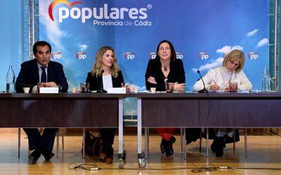 """López: """"Ojalá el gobierno de Sánchez pueda presentar en un año el balance que hace hoy el gobierno de Juanma Moreno"""""""