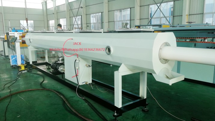 Máquina para fabricación de tubos PVC