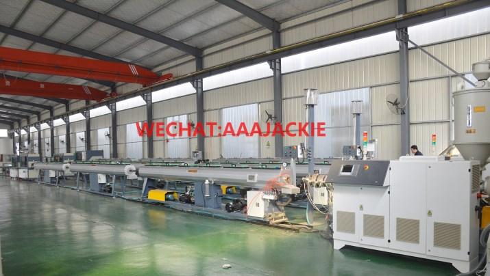 Máy sản xuất ống nhựa HDPE